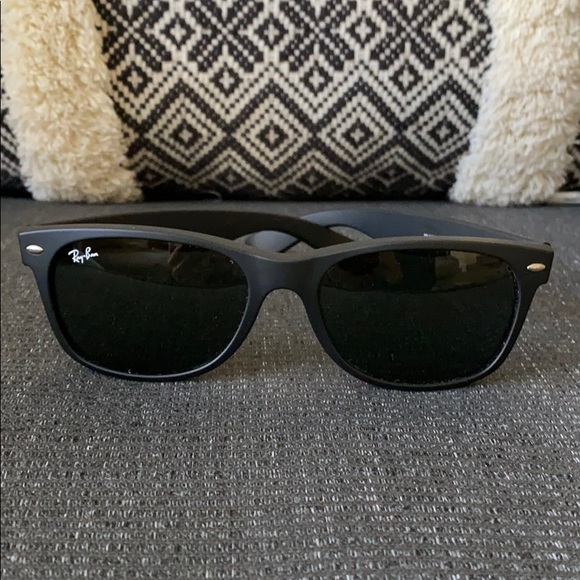 EUC Ray-Ban New Wayfarer Sunglasses